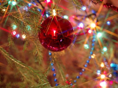 Новогодние каникулы в России продлятся десять дней